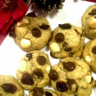 Chocolate Chip Macadamia Nut Cookies with Cranberries