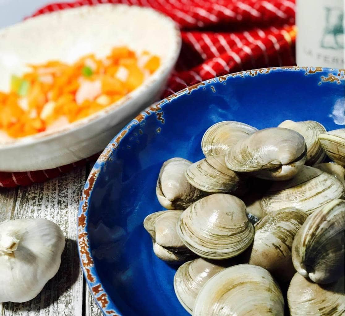 Clams in a blue bowl